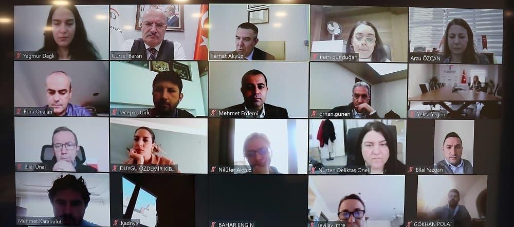 Gürsel Baran, ATO üyelerinin bu gelişmelere uyum sağlaması, dijital dünyayı öğrenmesi ve işlerine uygulaması gerektiğine vurgu yaptı.