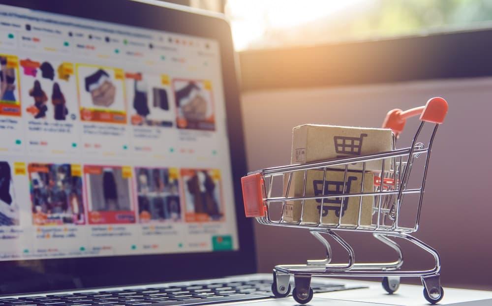 Online pazaryeri, e-ticaret yapmak isteyen firmaları için birçok avantaj sunan online alışveriş platformlarıdır.