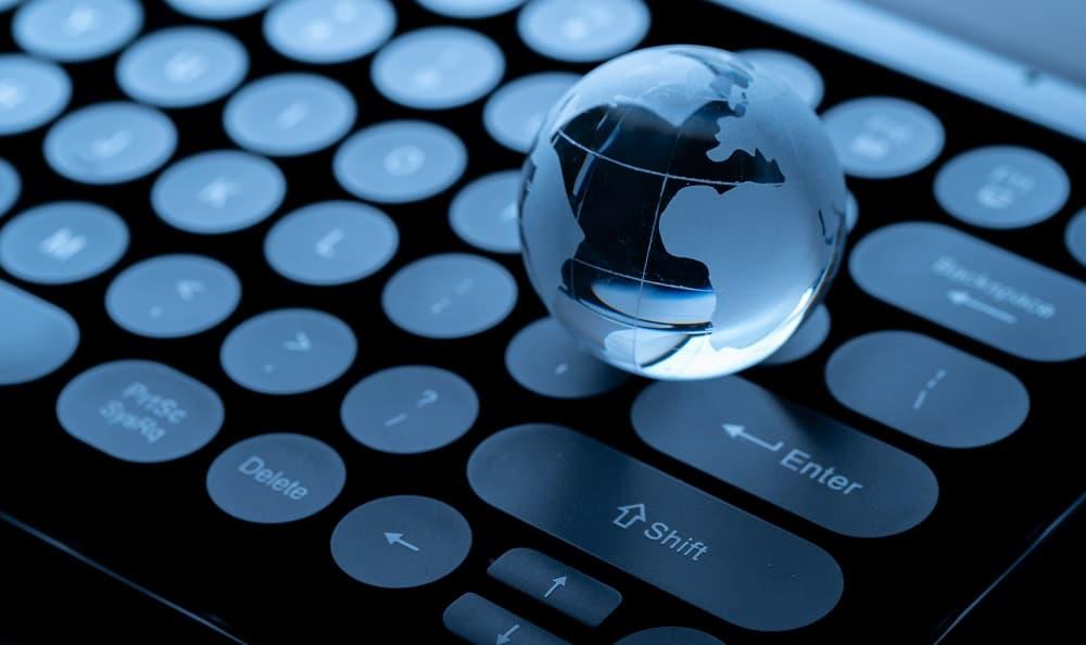 Türkiye'de e-ticaret ve e-ihracat uzmanları ve otoriteleri, zaman zaman firmalara önerilerde bulunmaktadır.