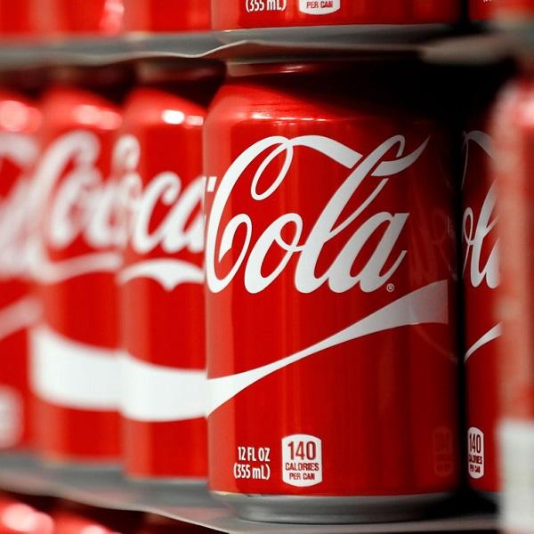 Coca Cola, belirli sayıda abone için aylık üyelik şeklinde özel ürünler içeren bir kutu sunuyordu.